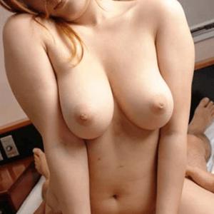 巨乳人妻のセフレ